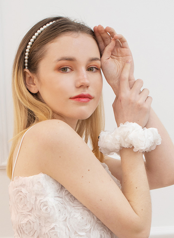 (set) flower lace sleeveless white + scrunchie