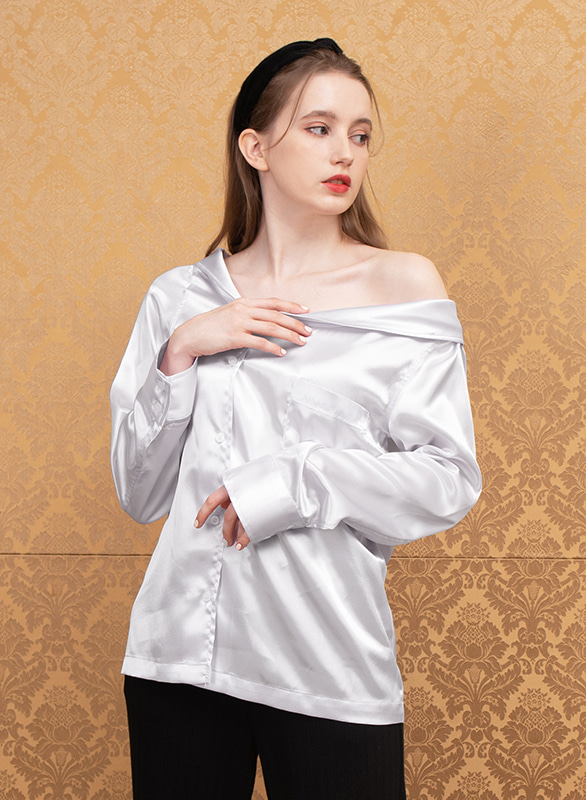 offshoulder silky blouse (white)